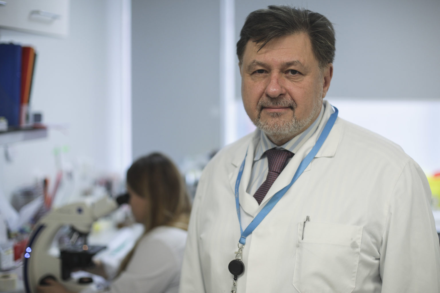 Prof. Alexandru Rafila avertizează că numărul de cazuri de Covid-19 nu va scădea dacă populația nu respectă regulile