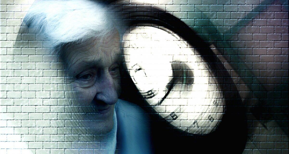 O echipă de cercetători israelieni a identificat o posibilă explicaţie pentru declanşarea bolii Alzheimer
