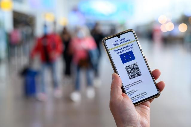 Certificatul digital al UE privind COVID-19 ar putea deveni obligatoriu pentru personalul medical