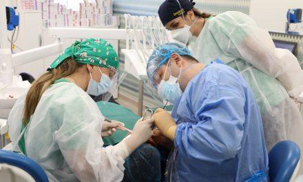 Studiul KANTAR 2021: Peste jumătate dintre români nu merg deloc la stomatolog, iar un sfert ajung mai rar de un an