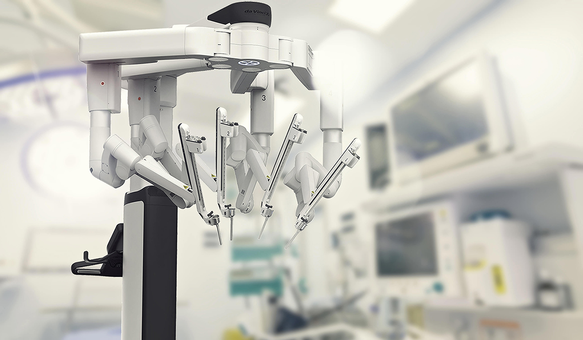 Primele intervenţii de chirurgie cardiacă efectuate cu ajutorul robotului chirurgical, la Spitalul Monza