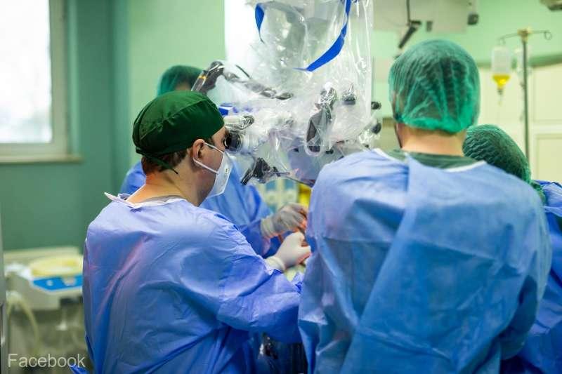 """Bărbat de 51 de ani operat cu succes de o tumoră cerebrală de 10 centimetri, la Spitalul de Neurochirurgie """"Dr.Nicolae Oblu"""" din Iaşi"""