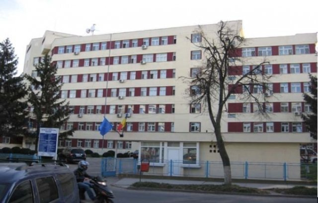 Anchete epidemiologice la Spitalul Paşcani, după ce opt angajaţi şi zece pacienţi au fost infectaţi cu noul coronavirus
