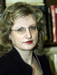 Diana Păun: E nevoie de decizii coerente şi sustenabile în ce priveşte politica medicamentului