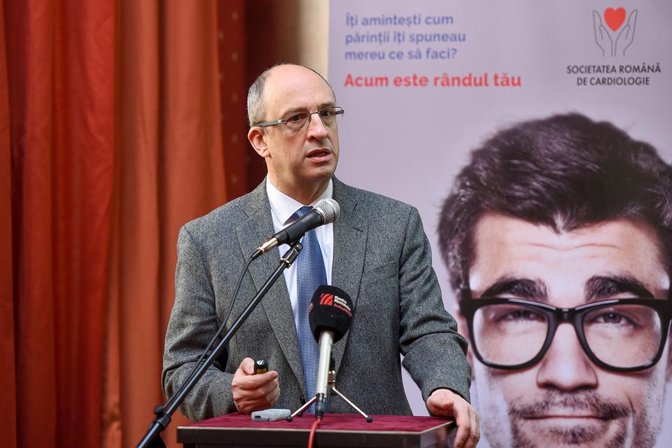 Dr. Dragoş Vinereanu: Mortalitatea prin boli cardiovasculare este de trei ori mai mare decât prin cancer
