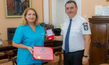 """Spitalul Militar a primit """"Emblema de Onoare a Departamentului pentru Situaţii de Urgenţă"""""""