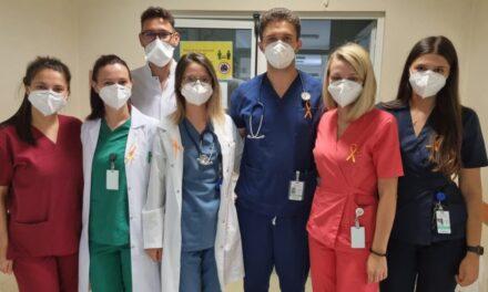 """Angajații Spitalului """"Victor Babeș"""" din Timișoara poartă haine sau accesorii portocalii, de Ziua Siguranței Pacientului"""