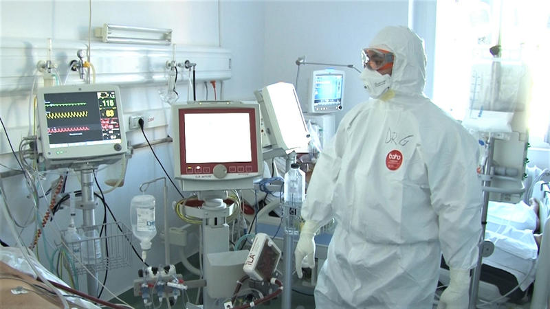 Timiş: Tratament inovator împotriva COVID, la Spitalul Victor Babeş