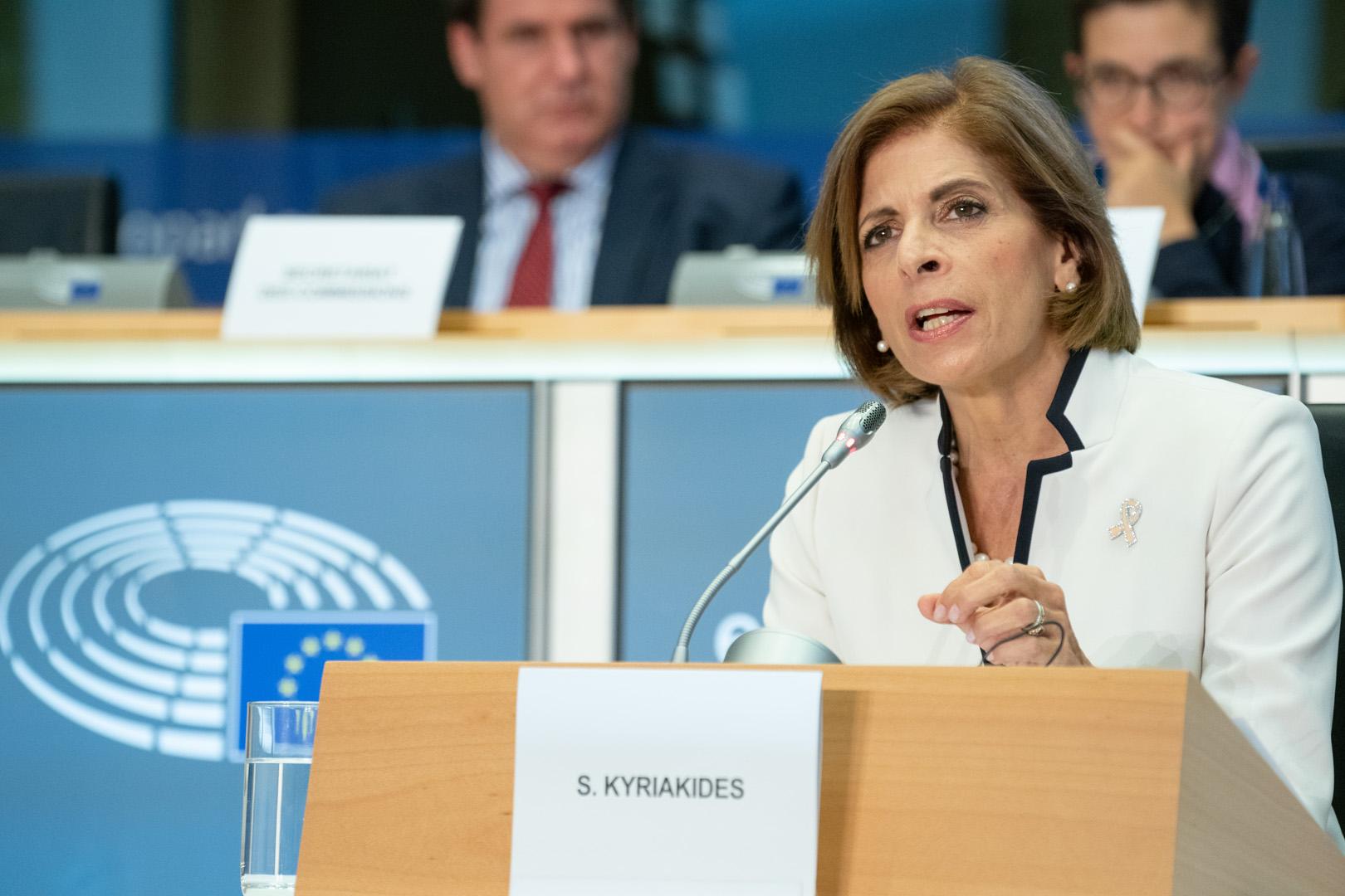 Coronavirus: Comisarul european pentru sănătate avertizează statele UE că timpul presează şi se impun măsuri pentru a evita izolarea