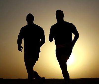 Bărbaţii cu un nivel ridicat de activitate fizică îşi pot înjumătăţi astfel riscul de cancer de prostată