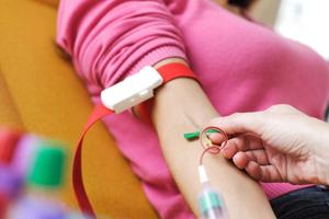 Harghita: A scăzut numărul donatorilor de sânge; conducerea Centrului de Transfuzie Sanguină face apel la cetăţeni