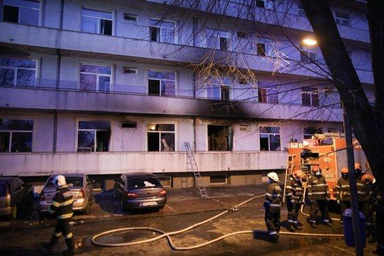 """Mai sunt internaţi cinci pacienţi care se aflau în Pavilionul V de la """"Matei Balş"""" la momentul incendiului"""