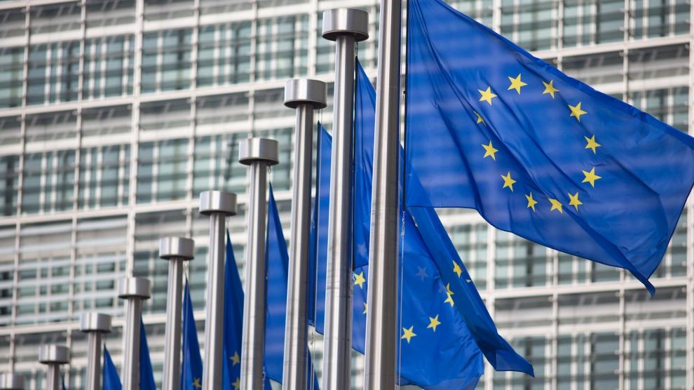 Coronavirus: Exporturile de vaccinuri produse în UE vor necesita autorizaţie