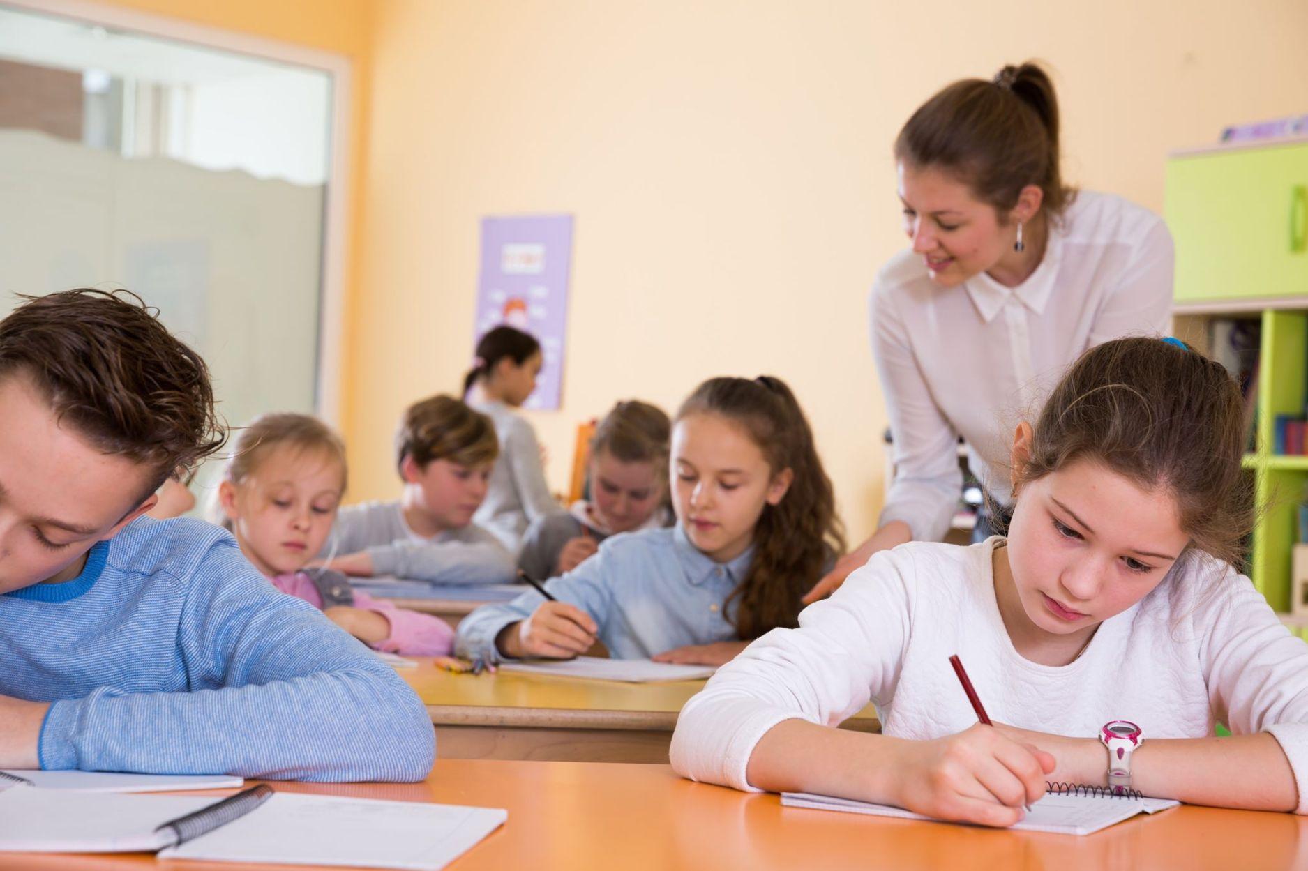 """Federația """"Solidaritatea Sanitară"""" a reluat solicitarea acordării de zile libere pentru angajații din sănătate în cazul întreruperii activității școlare"""