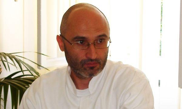 Dr. Cristian Oancea: Am remarcat la pacienţii cu COVID că pot avea fluctuaţii glicemice foarte mari, de până la peste 200, fără să aibă diabet