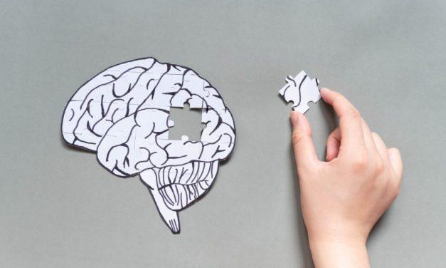 Declinul sănătății fizice și mentale este asociat cu o deconectare cognitivă mai pronunțată