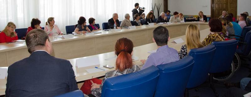 """""""Despre drepturi si dreptate"""" – dezbatere initiata de Asociatia de lupta impotriva bolii Parkinson"""