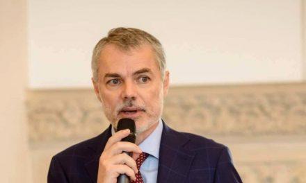 Dr. Mihai Craiu: Purtarea măştii de protecţie în interior este extrem de importantă