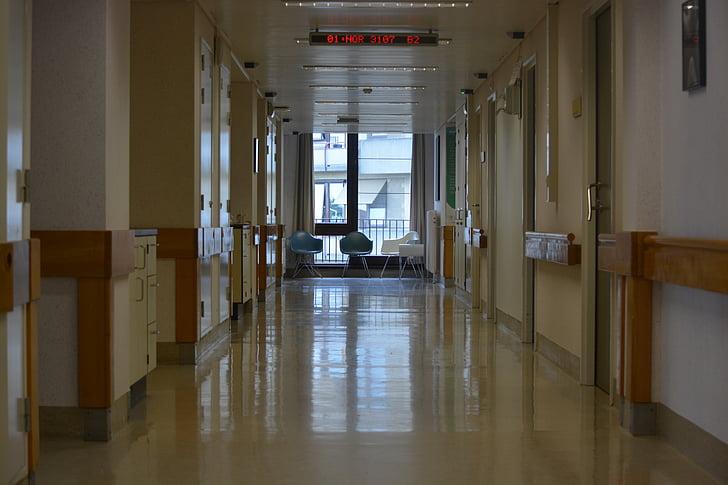 Vlad Voiculescu: Urgenţele de patologie non-COVID vor fi redirecţionate către spitale care nu oferă servicii de urgenţă
