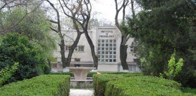 """Poliță gratuită împotriva COVID-19 pentru angajații Institutului de Pneumofiziologie """"Marius Nasta"""""""