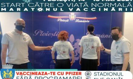 """Zeci de cadre medicale, profesori şi studenţi de la UMF """"Carol Davila"""", implicaţi în Maratonul Vaccinării de la Ploieşti"""