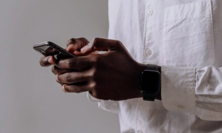 """Detectarea HIV poate fi îmbunătățită prin folosirea unei aplicații de auto-testare – """"HIVSmart!"""""""