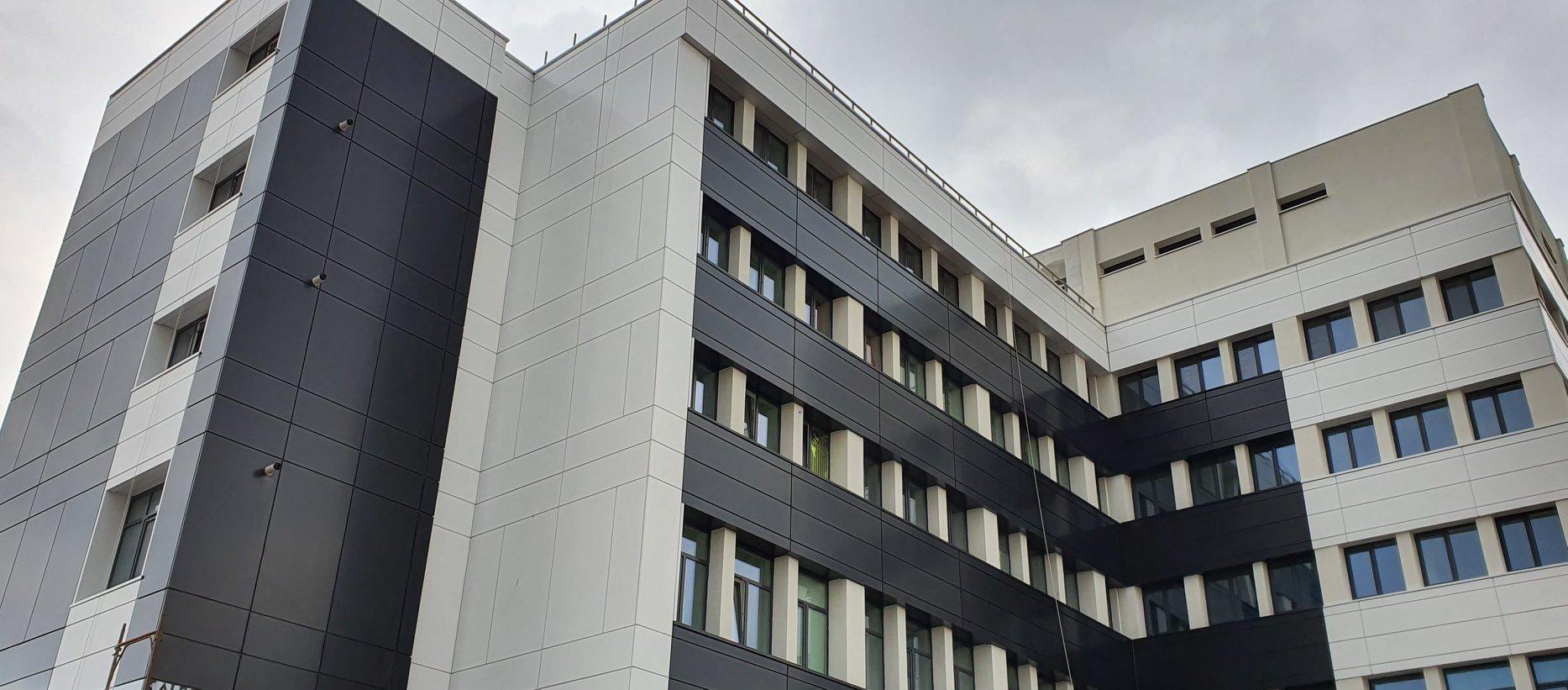 """La Spitalul """"Prof. Dr. Eduard Apetrei"""" Buhusi nu a existat o structura inchisa pe perioada starii de urgenta"""