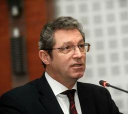 Adrian Streinu-Cercel cere Ministerului Sănătăţii ca testarea pentru hepatită, HIV şi SIDA să fie obligatorie