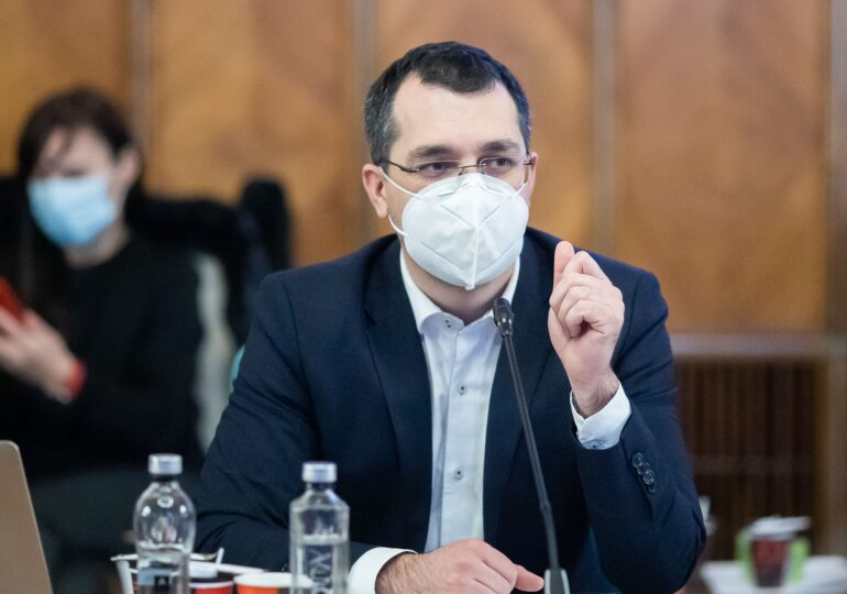 Vlad Voiculescu: Există în Parlament o lege a vaccinării; nu are legătură cu vaccinarea COVID-19